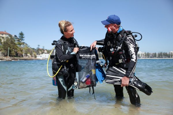 PADI dive against debris specialty